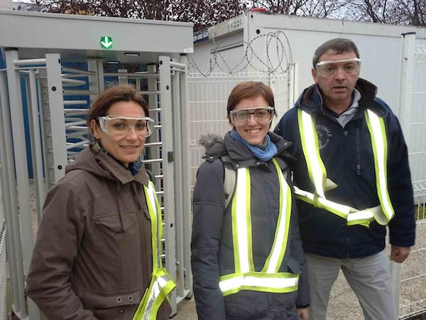 équipement de sécurité pour Nathalie, Govinda et Marc.