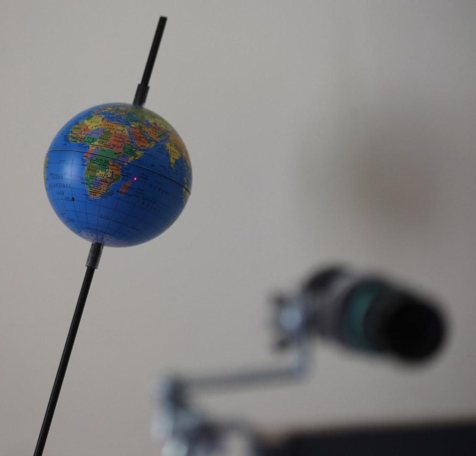 La Terre et le laser